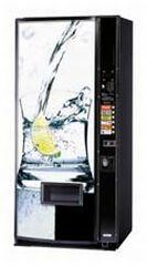 maquina expendedora de latas y agua