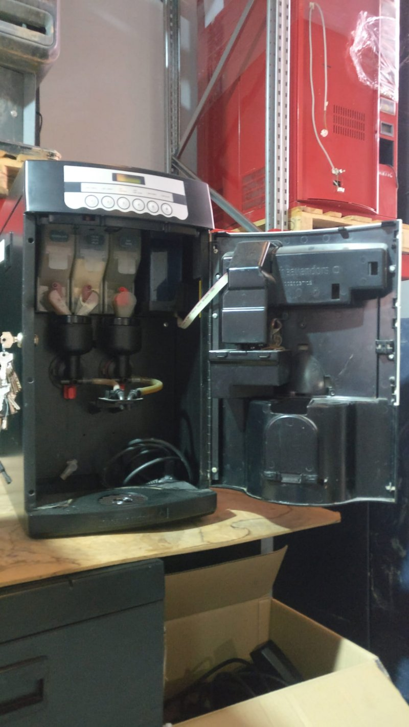 Maquina de café soluble Rhea XX de sobremesa