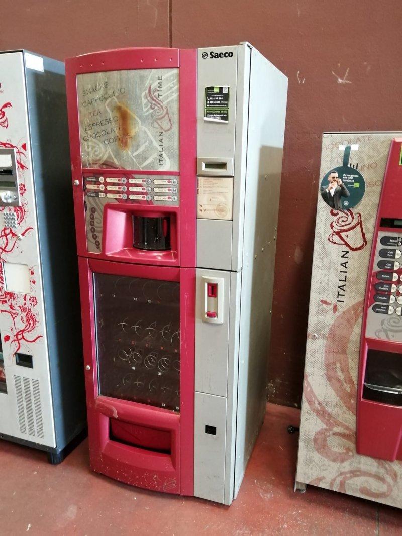 Máquina de café y snacks DIAMANTE de Saeco