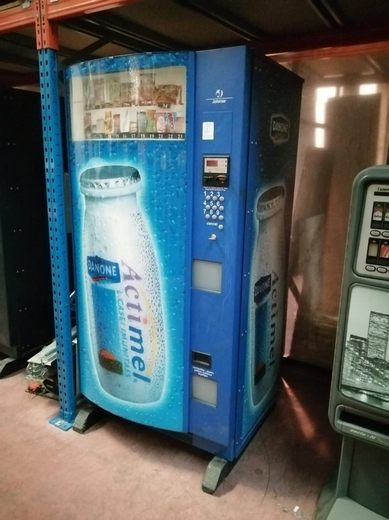 Máquina de snacks MULTIPLUS de Jofemar