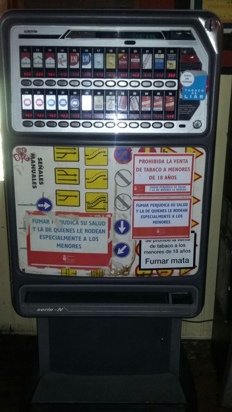 Máquina de tabaco Azkoyen N 26 canales