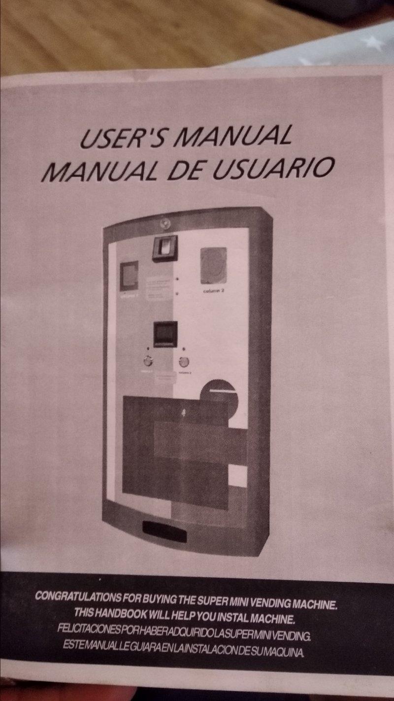 Máquina Benetton, expendedora  preservativos condones