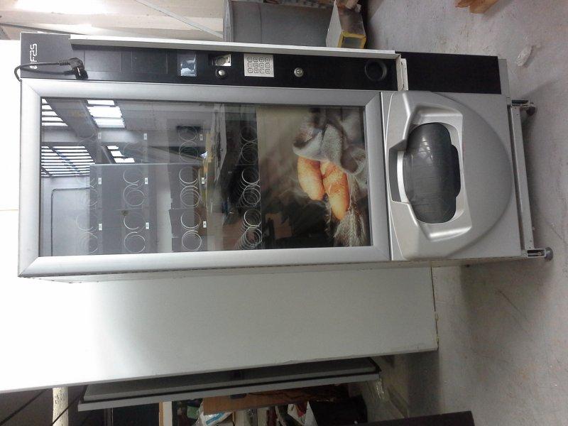 Maquina expendedora de bocadillos calientes