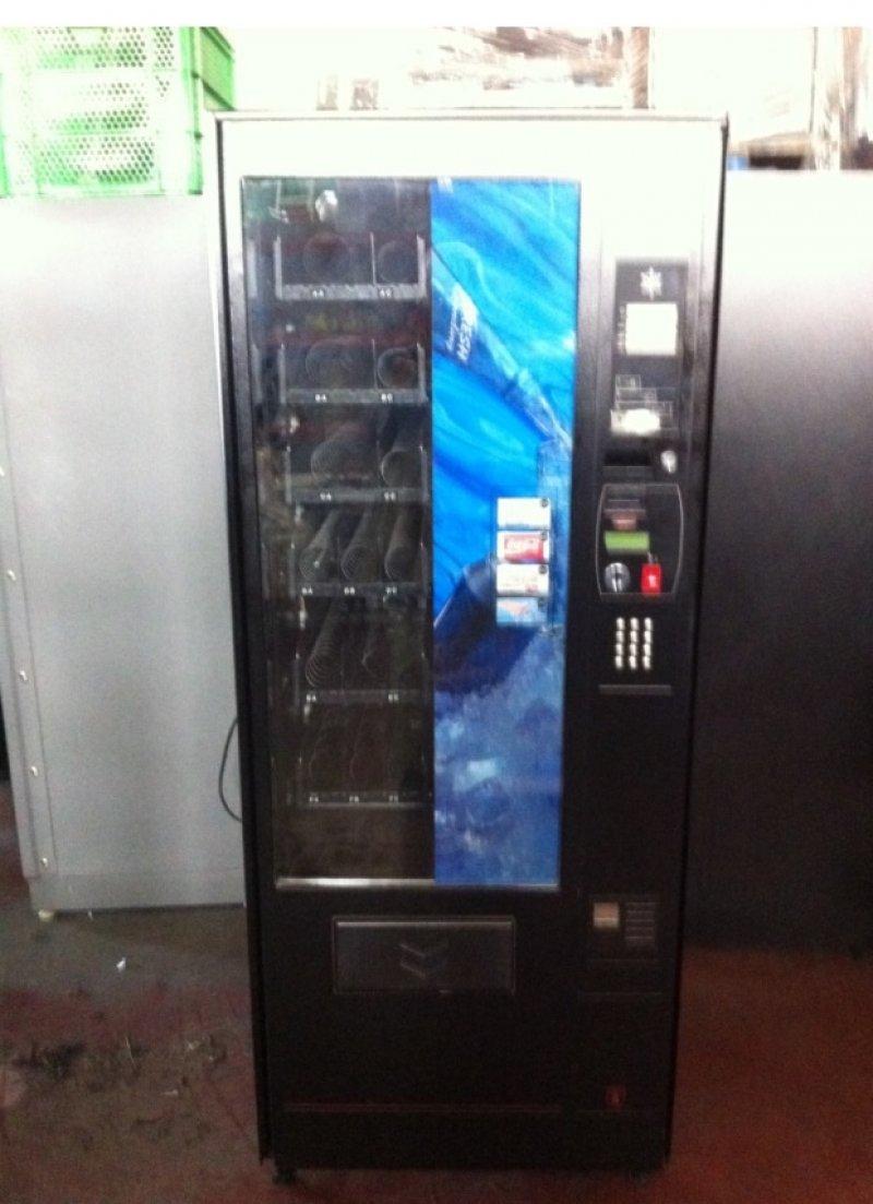 Maquina mixta snack y latas modelo Palma mz70 de Azkoyen