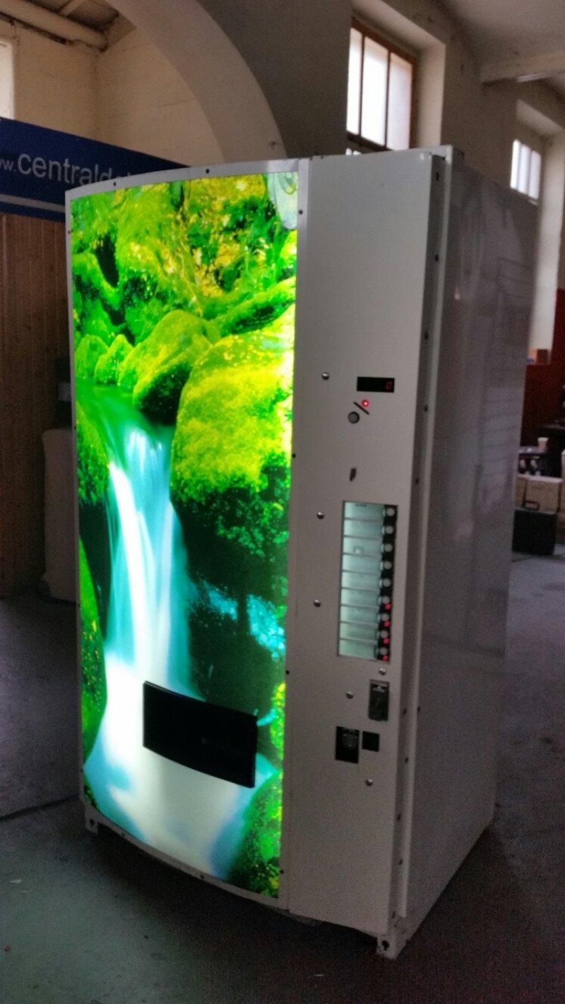 maquina vending de agua de 1.5l (litro y medio) de la marca vendo