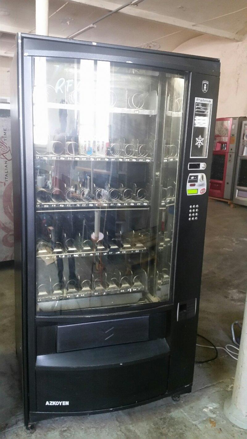 maquina vending de bebidas frias y snack azkoyen palma h87