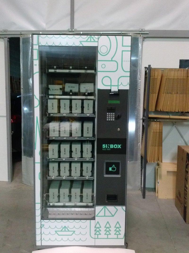 Maquina vending de envases individuales de papel higiénico patentados.