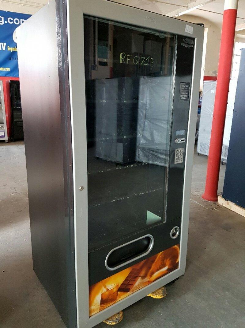 Maquina vending para bebidas frías y snack marca FAS 900