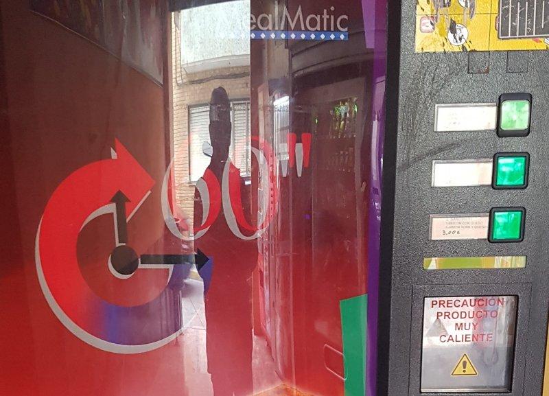 maquina vending sandwich vendida