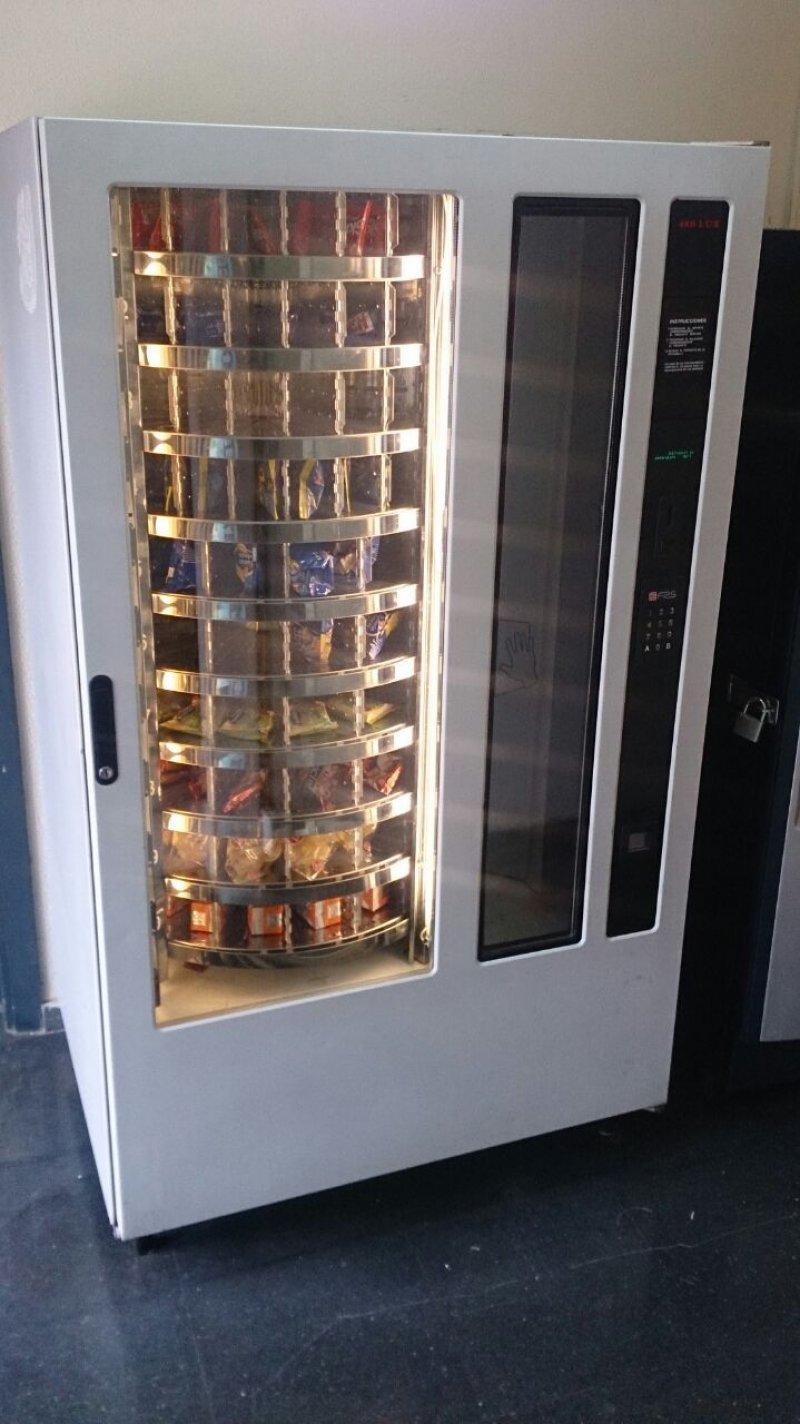 Vendo 3 máquinas de vending