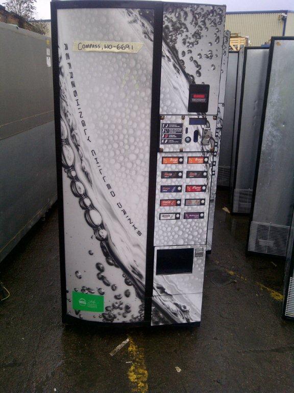 8 Máquina de refrescos