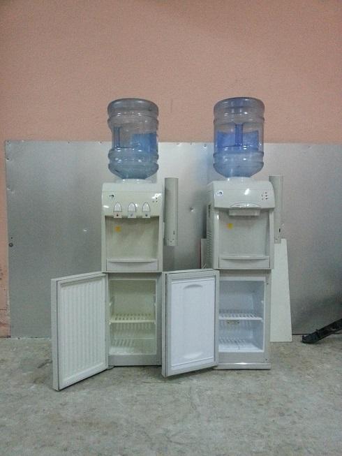 6 Fuentes de agua para botellon con nevera