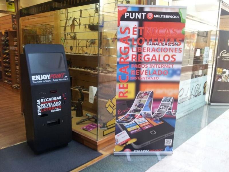 Máquina con Canalización de loterías, recargas, fotos al momento, Liberaciones...