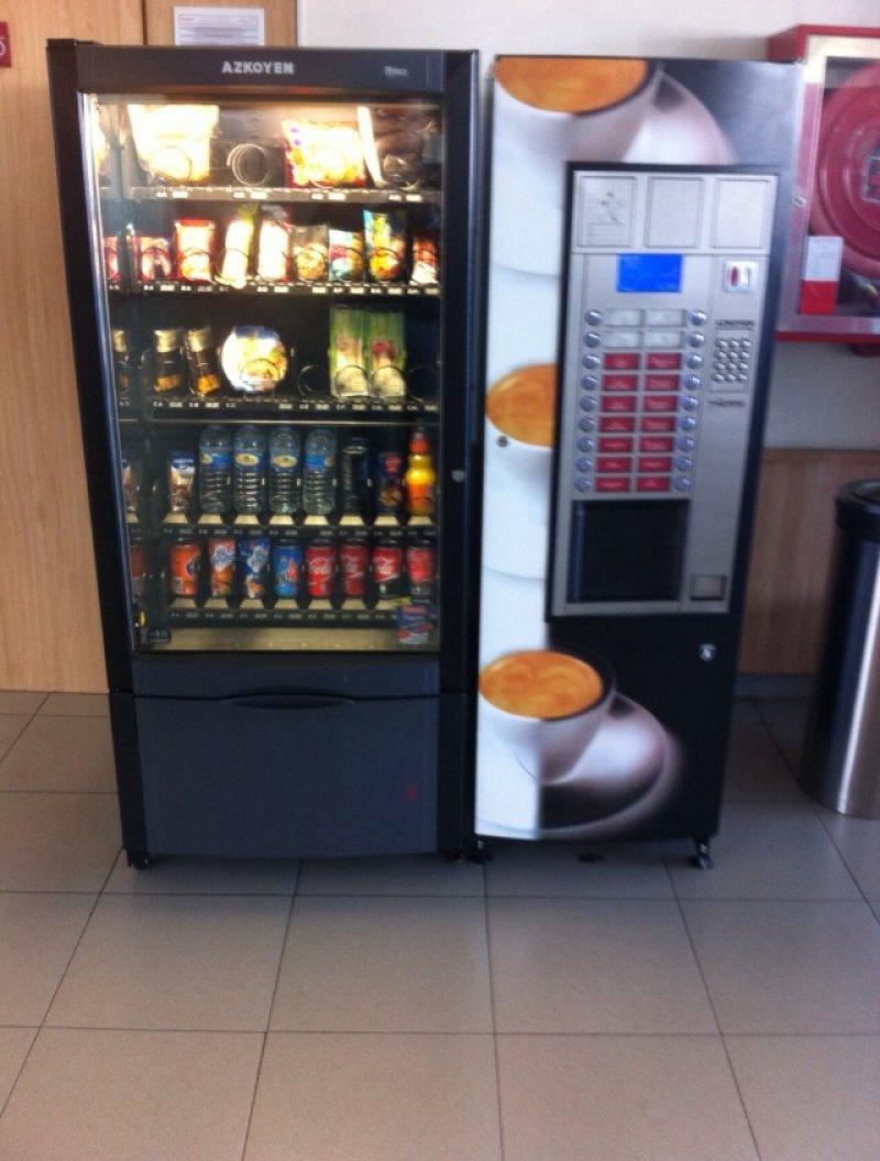 Modulo maquina cafe modelo Sienna mz Azkoyen+ Snack modelo Brisa 70 Azkoyen