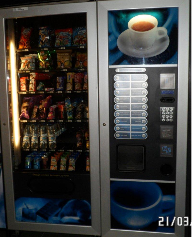 Oportunidad!!! Máquina de Café Fas Fashion + Máquina de Snack Fas Fast 1050 esclava