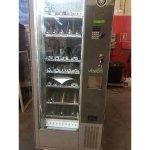 Expendedora vending de snack y bebidas frías en liquidación