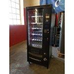 Maquina vending snack liquidación por golpe en un lateral