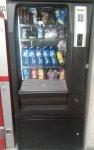Maquina seminueva snaks y bebidas frias,