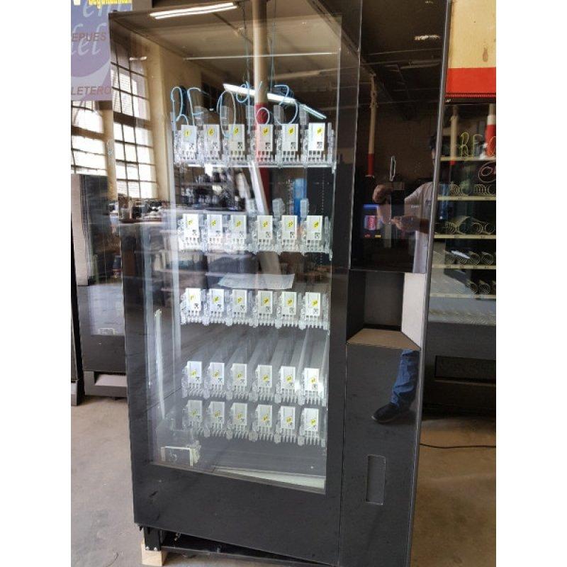 Maquina expendedora vending de bebidas frias robotica